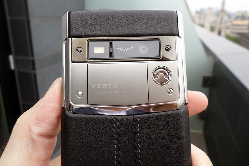 Vertu Signature Touch-1